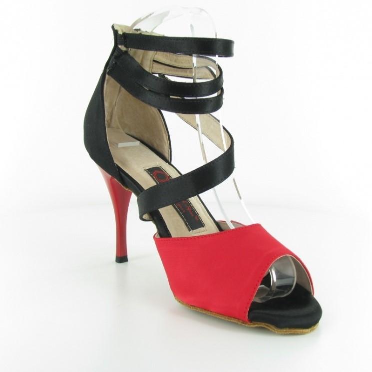 Chaussure de danse personnalisable en satin rouge et noir